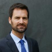 Gwendal Poullennec succède à Michael Ellis au poste de directeur international des guides Michelin