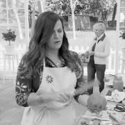 Question du jour – Les candidates de l'émission » Le meilleur Pâtissier » doivent elles avoir les cheveux attachés ?