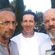 Scènes de Chefs – Alex Atala à l'Atelier Crenn, Jordi Cruz à Yam'Tcha, Bruno Ménard à Singapour, …