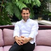 À Paris, le chef Christopher Hache se confie à Food&Sens –  L'Écrin, sa table gastronomique à l'Hôtel de Crillon ; et son voyage culinaire autour du monde