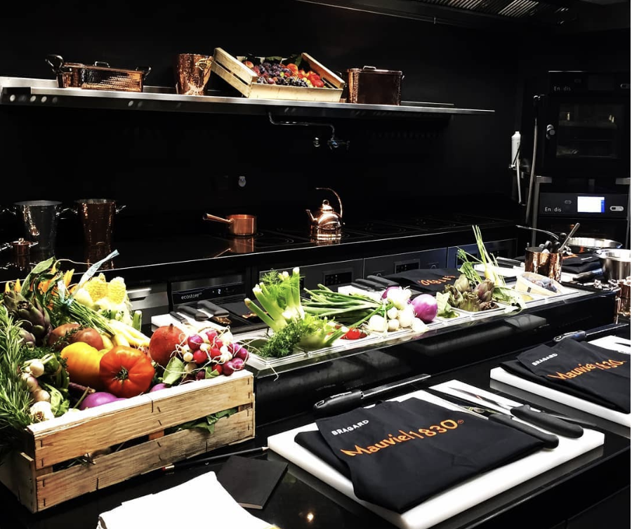 moments de cuisine mauviel et yannick all no jouent du piano au pavillon ledoyen food sens. Black Bedroom Furniture Sets. Home Design Ideas