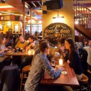 En Belgique, publier un faux commentaire ou un faux avis sur un restaurant peut coûter très cher  – à quand en France ?