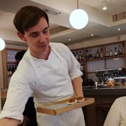 Daniel Calvert cuisine la tradition française au restaurant Belon dans le quartier de Soho à Hong Kong –