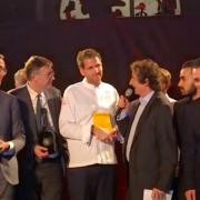 Alexandre Mazzia – » Aime ton métier, un jour il te le rendra » – découvrez la lettre qu'il a écrite aux chefs – Cuisinier de l'Année 2018 pour Gault&MLillau –