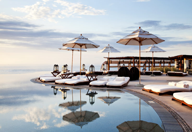 hotel luxe infinity pool las ventanas