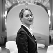 Claire Sonnet après avoir quitté Le Crillon rejoint l'équipe du Louis XV nouvelle version à Monaco à l'Hôtel de Paris