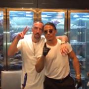 Franck Ribéry déguste une côte de boeuf recouverte d'or préparée par Salt Bae