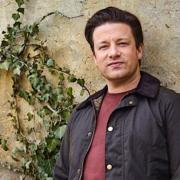 Jamie Oliver va emménager dans une demeure hantée – la presse anglaise tremble pour lui !
