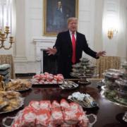 Faute de cuisinier, Donald Trump a organisé pour une réception à la Maison Blanche un buffet version malbouffe
