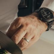 Daniel Boulud collectionne les montres, car pour lui elles sont des » garde-temps, car elles vous connectent avec le passé «