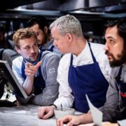 Scènes des chefs – Richard Ekkebus cuisine à Amsterdam au Rijks, Mercotte au Sirha, le 3 étoiles Dani Garcia prépare son festival,