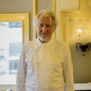 Pierre Gagnaire son truc magique c'est le goût pas la technique : »J'ai beaucoup de défauts en cuisine. J'ai du mal à désosser une côte de veau, du mal à faire une belle poularde bien ficelée «