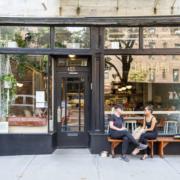 A NYC la hausse des salaires imposés et la flambée des loyers fragilisent la petite restauration – Plusieurs restaurateurs français pensent à plier boutique !