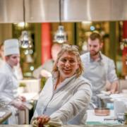 Stéphanie Le Quellec – Sera en cuisine au Prince de Galles jusqu'au 23 février