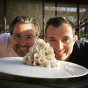 Scènes de Chefs – Tournage télé pour Laurent Petit et Nicolas Sale, Frederic Bau et Pierre Hermé duo pour Valrhona, anniversaire du Club de la Table Française, des chefs et encore des chefs….