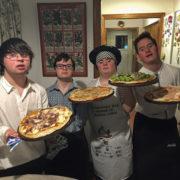 Malgré leur handicap, ces 4 jeunes ouvrent un restaurant