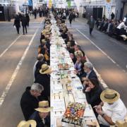 Le marché de Rungis fête ses 50 ans – La plus grande table du monde a été dressée 401 m et 2000 couverts !
