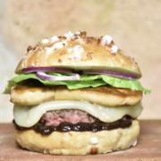 Coupe de France du burger  » Au départ, ils sontpartis sur l'idée d'un burger-cassoulet, forcément ils sont de Toulouse …»