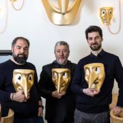 Brèves de chefs – Les frères Alajmo ouvrent AMOR à Milan, 20 ans de pâtisserie pour Cédric Grolet, les asperges d'Alain Passard, le nouvelle salle de restaurant du Mirazur,