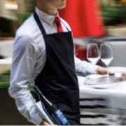 Restauration – Pour rendre la profession plus attractive, il faudrait augmenter les salaires, mais pas seulement !