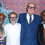 Massimo Bottura cuisinait hier pour Gucci à Harlem – célébrer la culture de Harlem mais aussi supporter Food For Soul et Citymeals