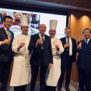 En visite au Japon le Maire de Lyon Gérard Collomb célèbre la Gastronomie Française
