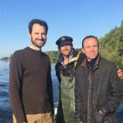 Le chef Christophe Hay amène Gwendall Poullennec Directeur du Guide Michelin à la pêche sur la Loire