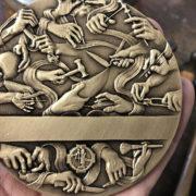 Création d'une médaille d'honneur pour les 90 ans de la Société Nationale des Meilleurs Ouvriers de France.