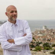 Emmanuel Perrodin chef d'orchestre des Diners Insolites – temps forts de l'année Gastronomique à Marseille et en Provence – du 1er au 31 juillet –