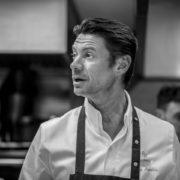Alain Pégouret redore le blason du Sergent Recruteur – images depuis les cuisines