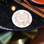 Faites vos jeux au nouveau Club Barrière Paris, pariez, gagnez et goûtez à la restauration Dépôt Légal de Christophe Adam