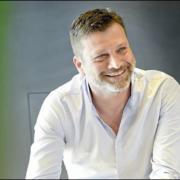 Yannick Delpech ( L'Hamphytrion à Toulouse ) charge de formule pour son restaurant et renonce aux étoiles Michelin,