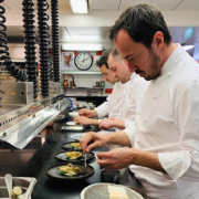 Romain Meder – » Ceci n'est pas un livre de recette, c'est une boîte à outils » – le chef sort son premier recueil de cuisine