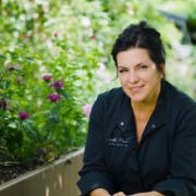 Découvrez la cuisine intuitive de la chef étoilée belge Arabelle Meirlaen en video