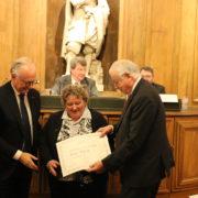 Le Prix François Rabelais récompense Evelyne Debourg, cantinière et auteure gastronomique