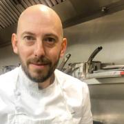 Damien Piscioneri a ouvert le Damiano Café – son café/restaurant/pâtisserie à Paris quelques jours avant les Fêtes de fin d'année