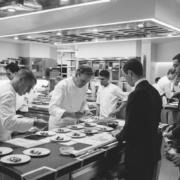 Aux États-Unis, la haute gastronomie touchée de plein fouet – les chefs en appellent au soutien de leurs clients