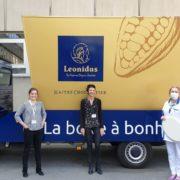 Leonidas organise une tournée des Hôpitaux de Paris pour offrir du chocolat au personnel soignant