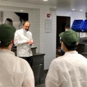 » Rallumer les lumières de sa cuisine » – Le chef Daniel Humm transforme sa cuisine 3 étoiles à NYC en cuisine d'urgence