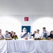 Brèves de Chefs – René Meilleur a surmonté le Covid-19, disparition de Pierre Fonteyne, Trump décrié sur la composition de son groupe de travail de chefs,  Olivier Nasti crée un drive gastronomique…