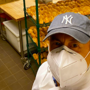 Daniel Boulud passe en phase action humanitaire, plus de 1000 repas préparés par jour et distribués à New York