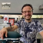 Simone Zanoni – Les plus belles recettes de chef en confinement » En Italie, derrière chaque petite chose, il y a une histoire d'amour, d'art et savoir vivre a raconter.👨🏻🍳 «