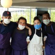Justine Puliso, Gianmarco Gorni, Adrien Cachot, Mory Sacko tous candidats de «Top Chef 2020 » cuisinent pour le personnel soignant