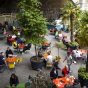 Lausanne a décidé d'offrir la gratuité de l'occupation du domaine public pour les terrasses existantes ou les extensions jusqu'au 31 octobre