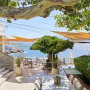 Le chef Gérald Passédat ouvre sa terrasse 7/7 jours au Petit Nice à Marseille