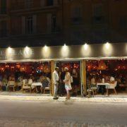 La Petite Plage – le succès culinaire du chef Éric Frechon sur le port de Saint-Tropez