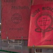 Un guide Michelin vendu aux enchères pour 33 550 euros – un record