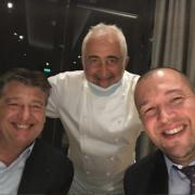 Scènes de Chefs – Patrick Henriroux présente ses sous-chefs, Greg Marchand c'est l'heure de la reprise à Londres, Dominique Lory reçoit le 50best, Guillaume Gomez à la table de Guy Savoy, …