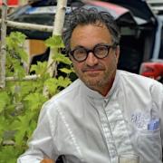 Yves Camdeborde – » Mes livres de cuisine sont mes compagnons de route depuis désormais quarante ans»