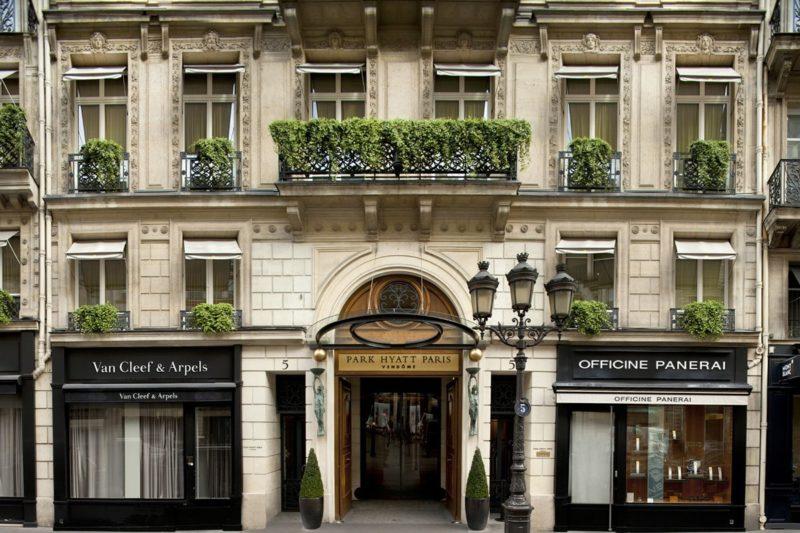 L'attribut alt de cette image est vide, son nom de fichier est thumbnail_Park-Hyatt-Paris-Vendôme-800x533.jpg.
